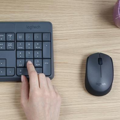 Teclado e Mouse Logitech MK235 Sem Fio Resistente à Água Cinza ABNT2 - 920-007903